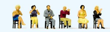 Sitzende Zuschauer