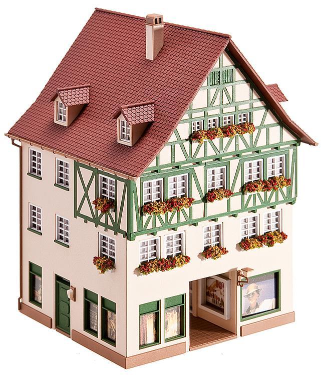 Stadthaus mit Passage