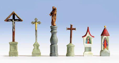 Marterl und Kreuze
