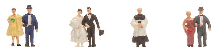 Brautpaar mit Pfarrer