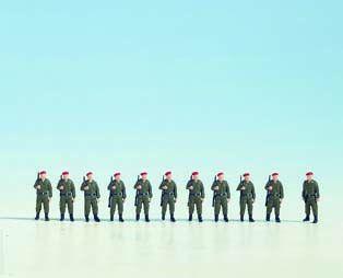 Soldaten stehend