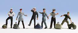 Soldaten am Bahnhof