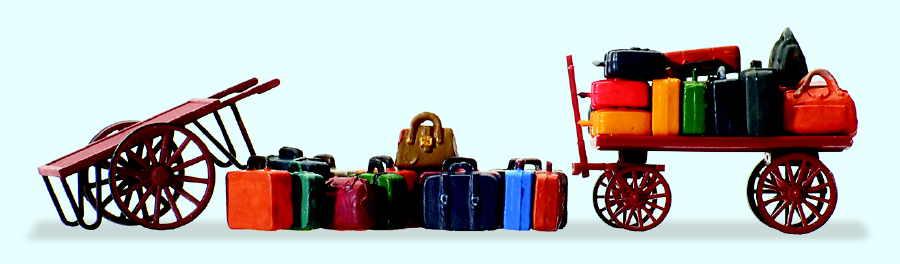 2 Wagen, Reisegepäck und lose Gepäckstücke