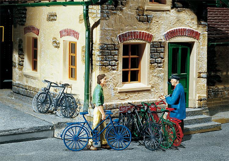 6 Fahrräder in 5 Farben