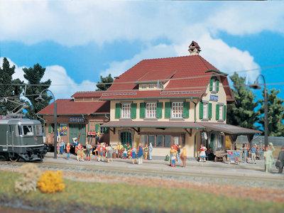 Bahnhof Därligen