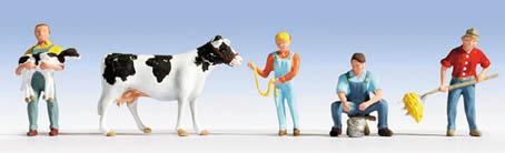 Im Kuhstall (4 Figuren + 1 Kuh)