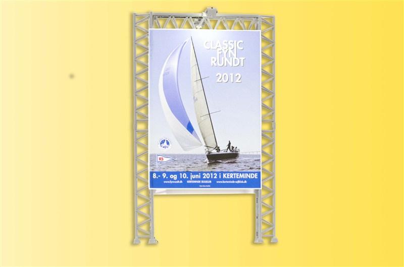 Reklamewand mit 2 Flutlichtstrahlern