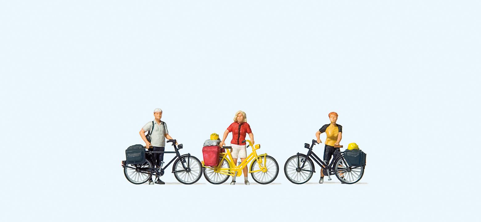 Stehende Radfahrer in Sportkleidung (1)