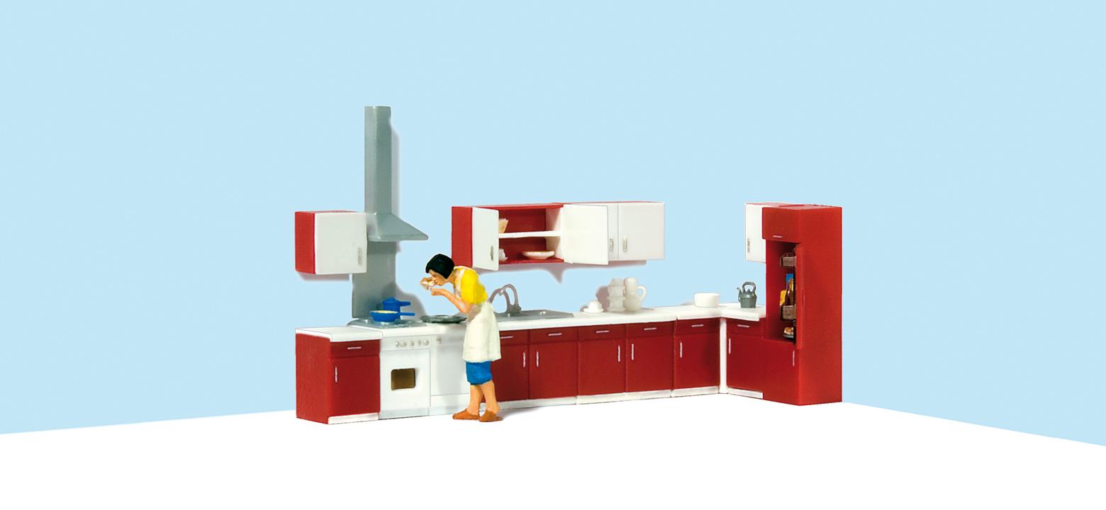 Mutter beim Kochen, Kücheneinrichtung