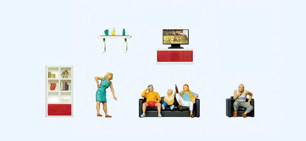 Familie beim Fernsehen, Wohnzimmereinrichtung