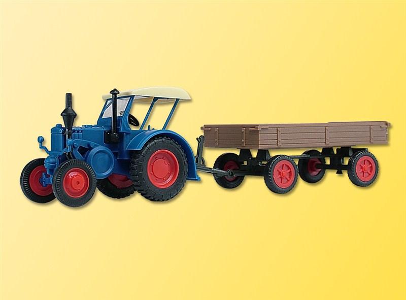 Traktor Lanz mit Gummiradwagen