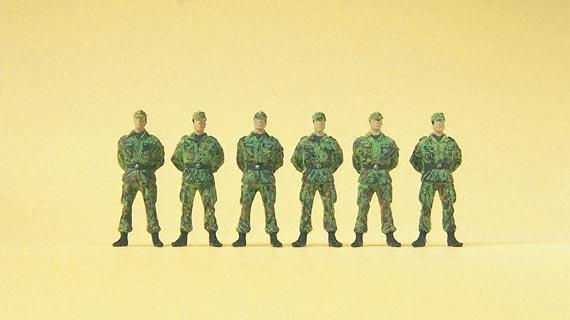 Soldaten stehend, Bundeswehr