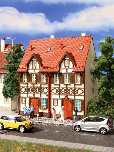 Reihen-Doppelhaus mit Fachwerk