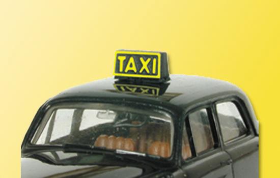 Taxischild, beleuchtet