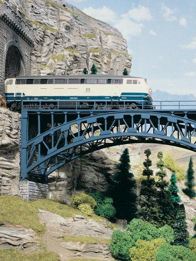 Stahlbogenbrücke Schlossbach