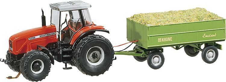 Traktor MF mit Anhänger