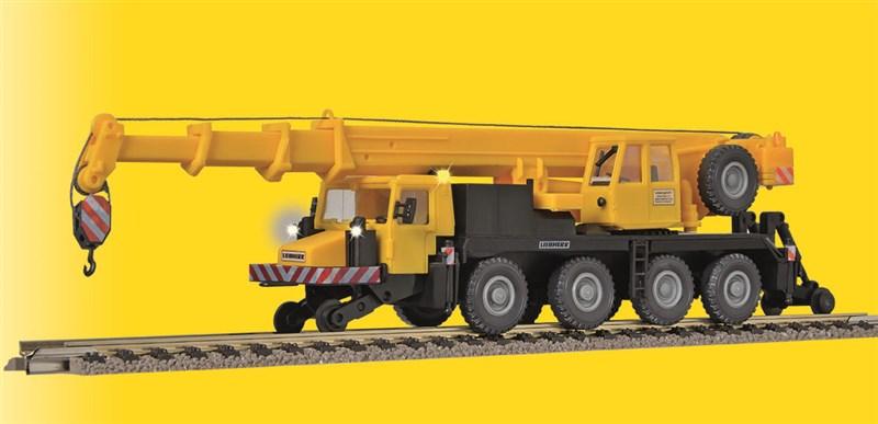 Liebherr LTM 1050-4 mit Beleuchtung