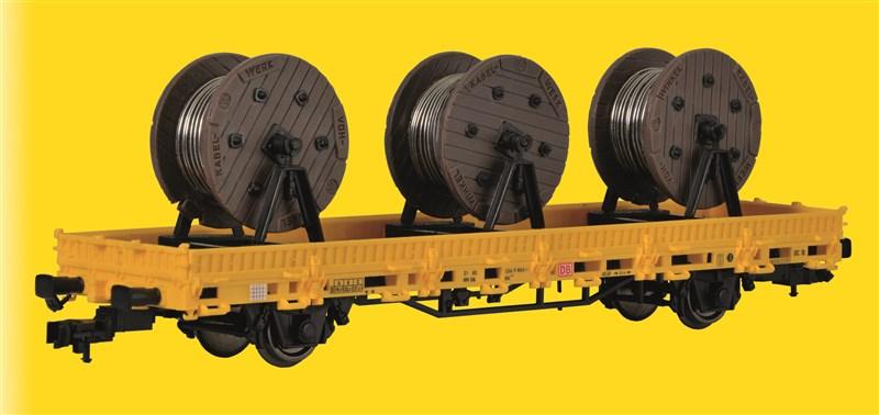 Niederbordwagen mit Kabelrollen