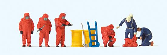 Feuerwehrmänner, roter Schutzanzug