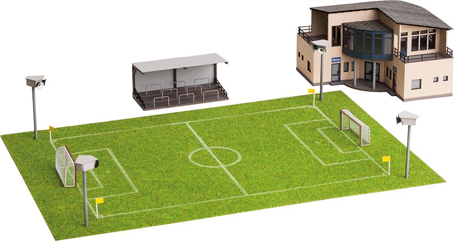 Fußballplatz mit Vereinsheim & Figuren