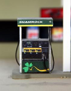 Shamrock - Modern Gas Pump Set w/base (4)