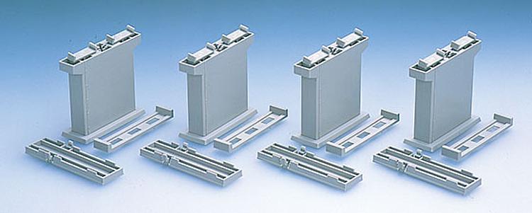 Pfeiler-Set mit Halteklammern
