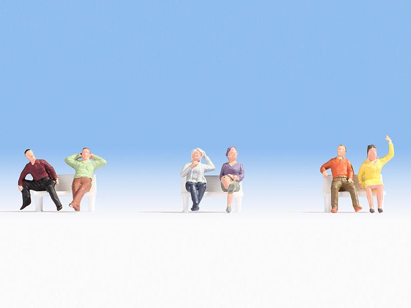 Sitzende (ohne Bänke)