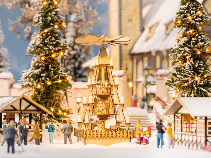 Weihnachtsmarkt-Pyramide