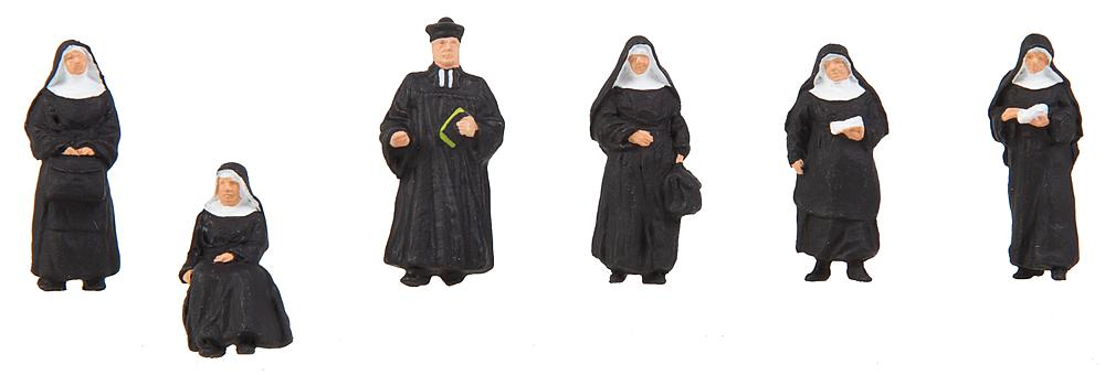 Nonnen und Pfarrer