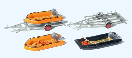 3 Schlauchboote, 2 Anhänger