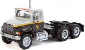 International 4900 Semi Tractor, dual-axle