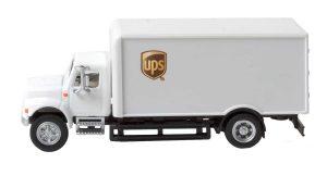 International 4900 Box-Van, single-axle