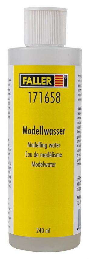 Modellwasser, klar