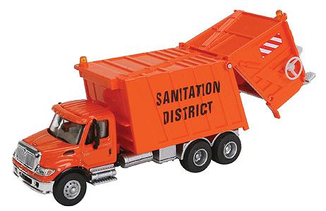 Intl. 7600 Garbage Truck