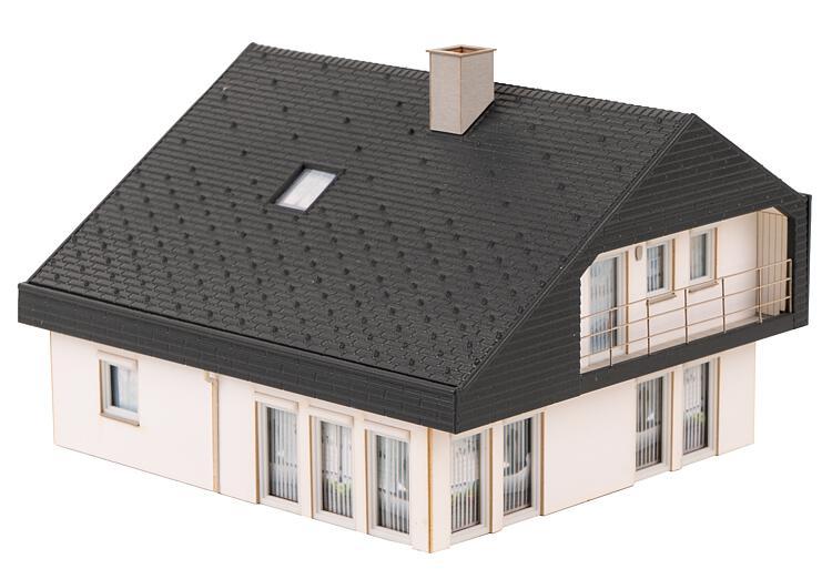 Wohnhaus mit Plattendach